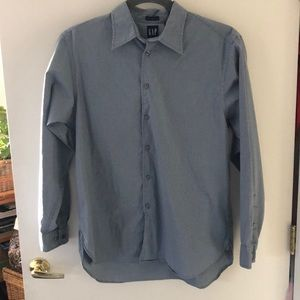 GAP Long Sleeve Button Down size L. Gently used